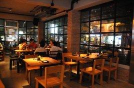 Mellow bar & restaurant